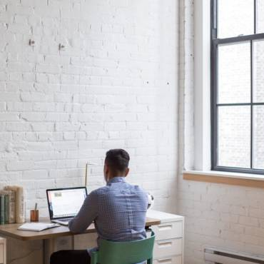 Just Starting Out? Avoid These 5 Startup Mistakes. You're Welcome